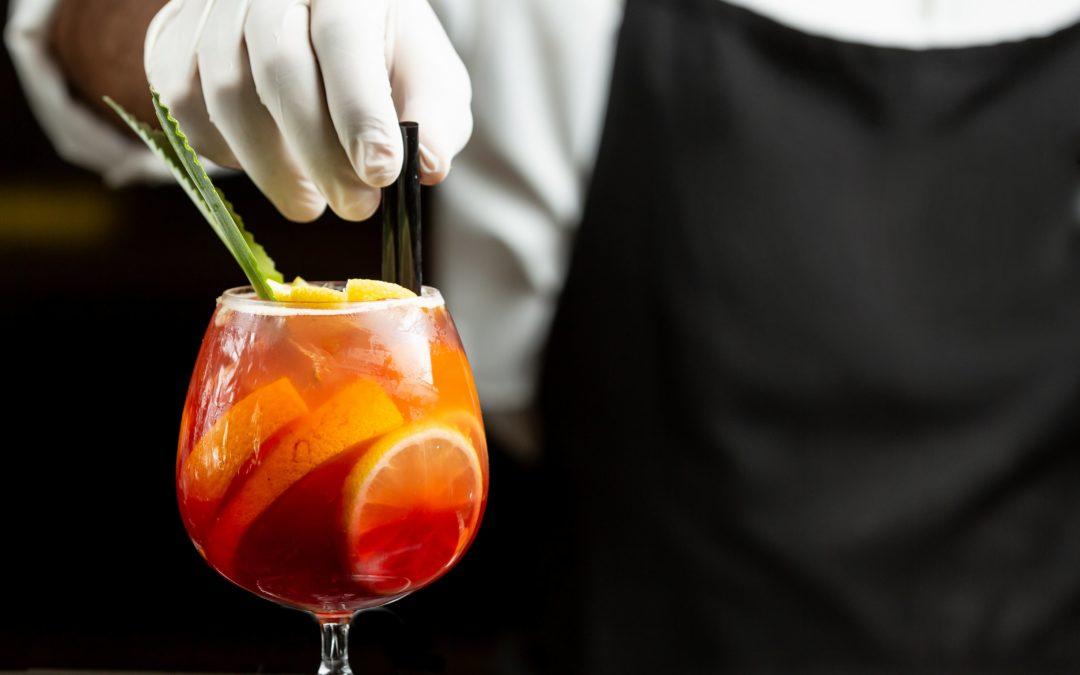 Restaurant-Bar-Cocktail-Sangria-min